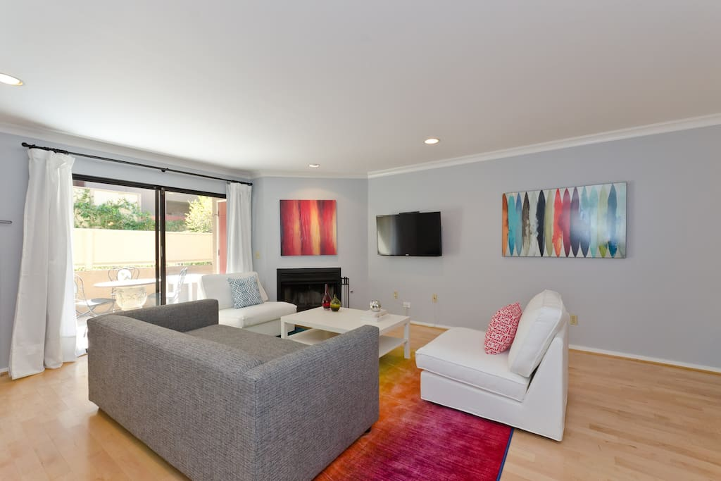 Living room with fireplace & SmartTV