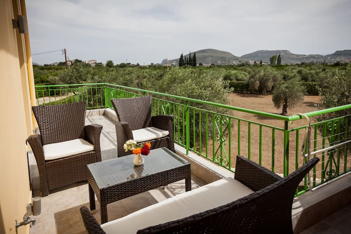 Apartment in Nafplion countryside - safe for kids - Nea Tiryntha - Daire
