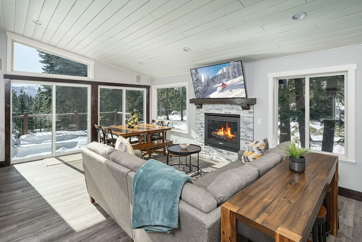 Remodeled Mountain-View Escape on Serene Half-Acre