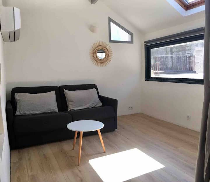 Charming apartment air cond free wi fi