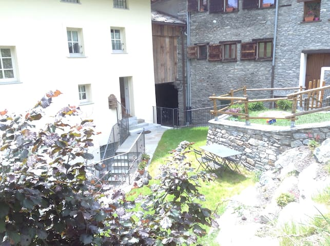 ❤️Lovely flat in the mountain, private garden!
