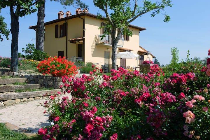 MELOGRANO Apartment 2+2 family S. Gimignano