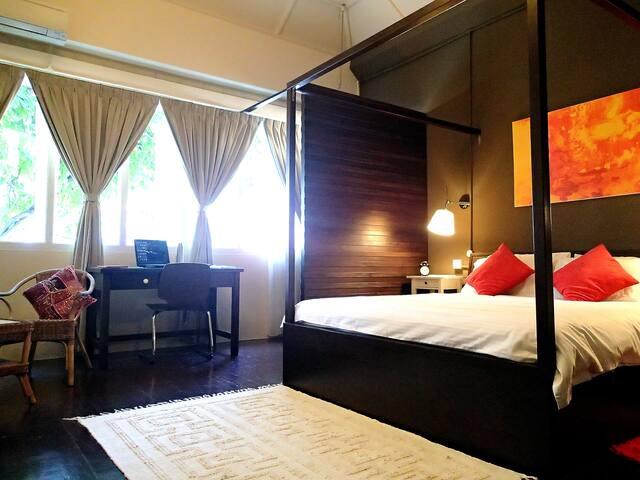 Memory Lane:  Spacious 2-Bedroom Suite