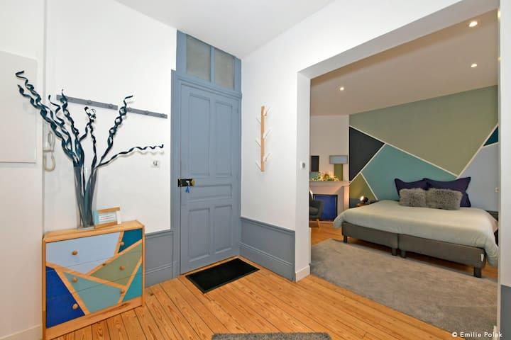 Chambre Art Déco + Accès privatif salle spa