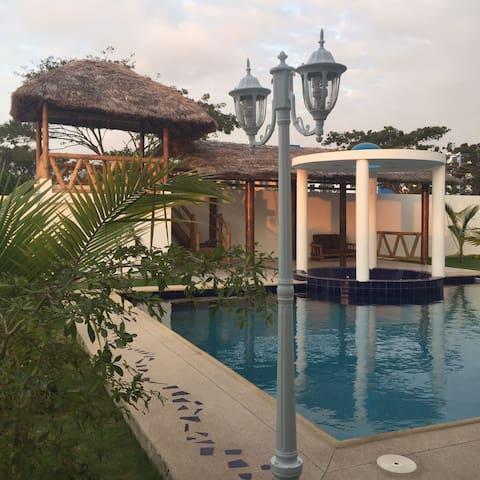 Nuevo apartamento en Tonsupa, cerca  de la playa