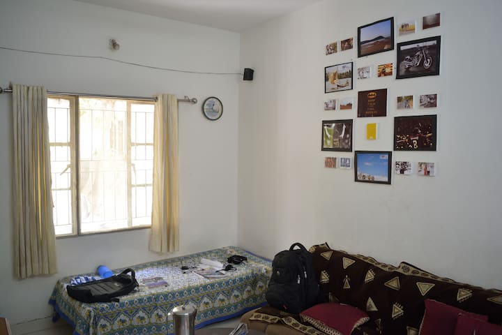 Cozy 1BHK with nice Public Garden - Ahmedabad