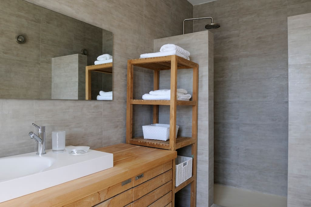 Bathroom area with teak furniture