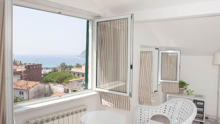 Sunny Sea Loft, Cinque Terre region