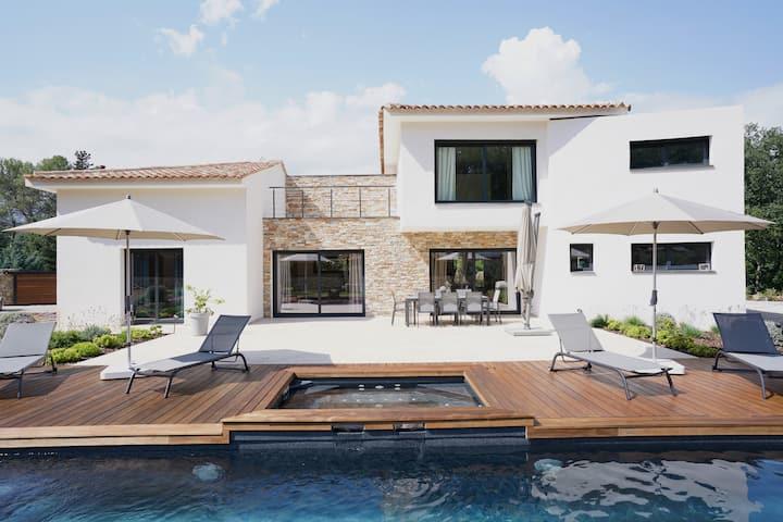 %Last Minute Special% Exclusive Villa in Fayence %