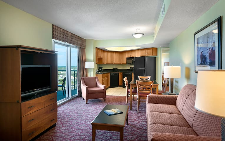 Sunset View Suite, Spacious and Relaxing for 4!