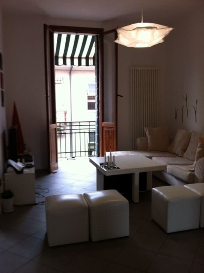 VIEW OF THE 1 FIRST LIVING ROOM WITH BALCONY