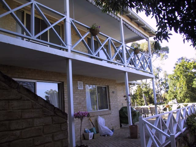 Guests Balcony