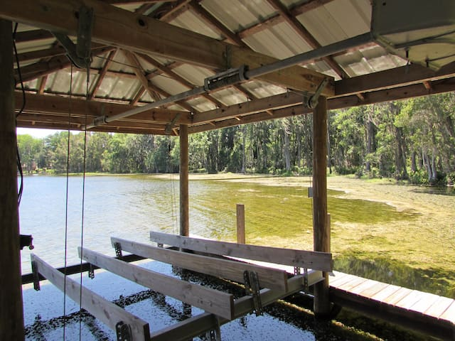 Tampa Lakeside Lodge, Lutz, fl - Lutz - Rumah