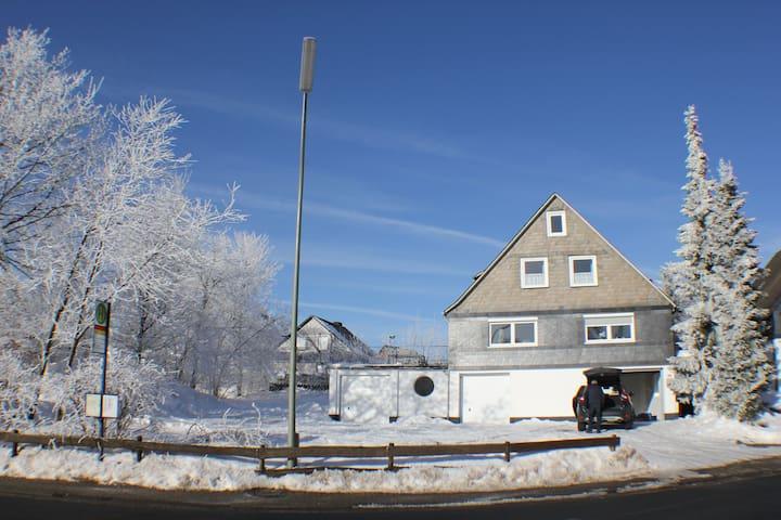 Grote vakantiewoning in Winterberg - Winterberg - Talo