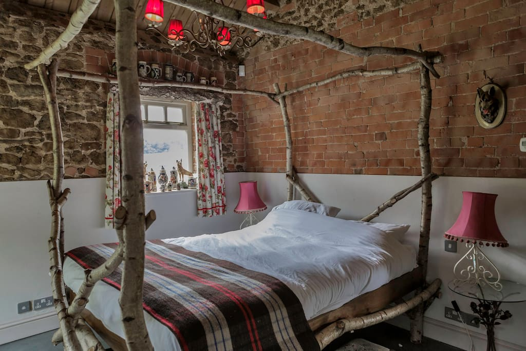 The Silver Birch four poster bed.