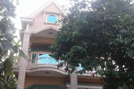 Jumpou Villa - Preah Sihanouk - ที่พักพร้อมอาหารเช้า
