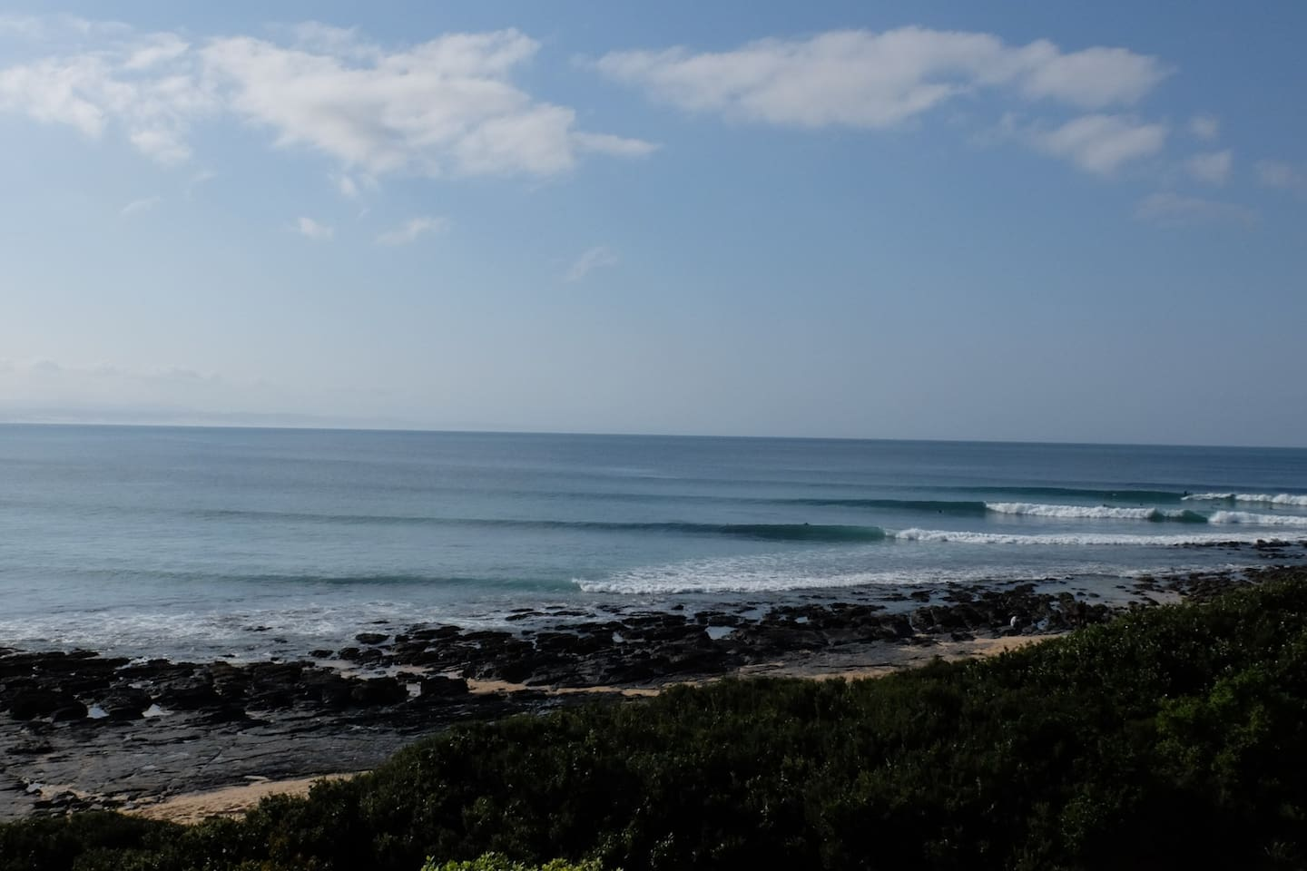 Uninterrupted sea view from balcony. Relax and watch the dolphins and surfers play.