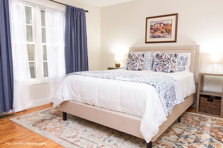 Charming 3BR, 6 Bed Haven | 10 Min to Downtown