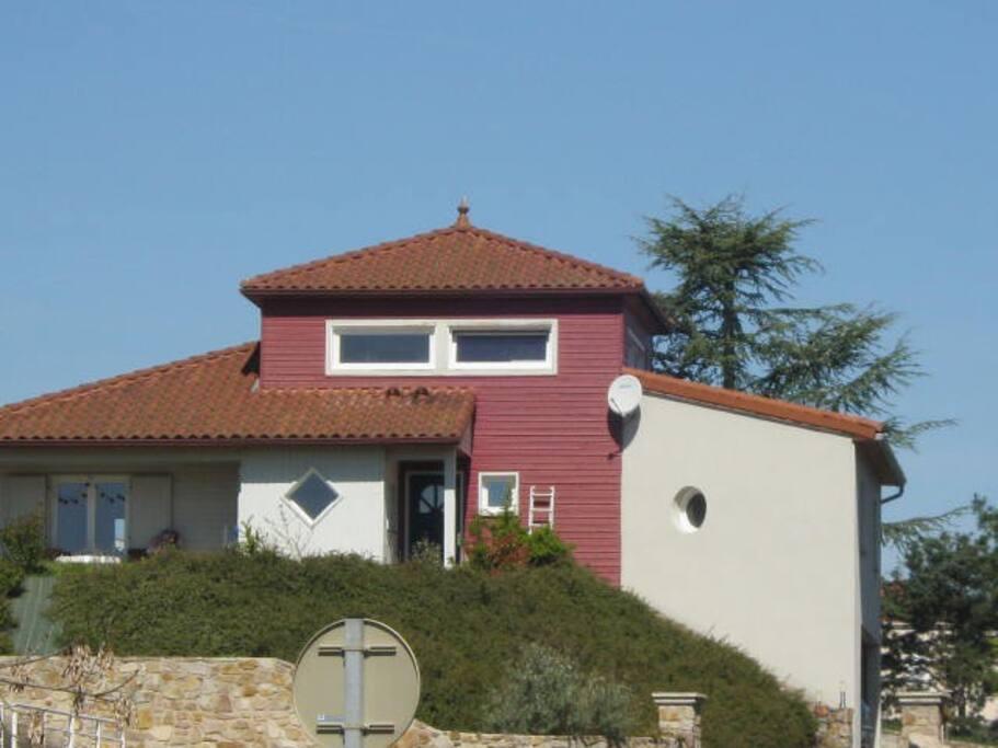 La maison rouge maisons louer brioude auvergne for Garage 4x4 saint sauves d auvergne