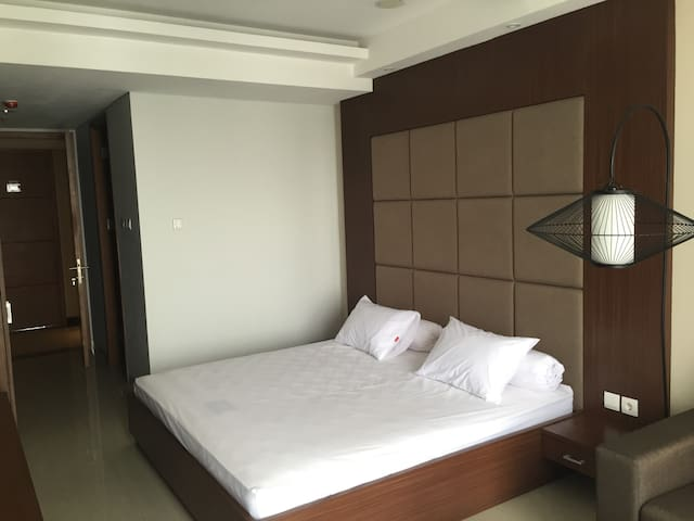 Spacious Studio at Dago Suites Apt - Coblong