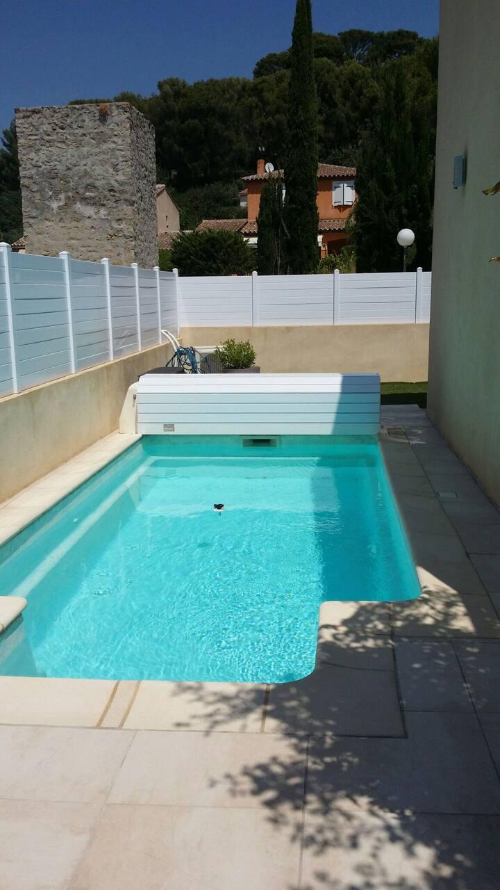 Villa moderne tout confort calme piscine chauffée