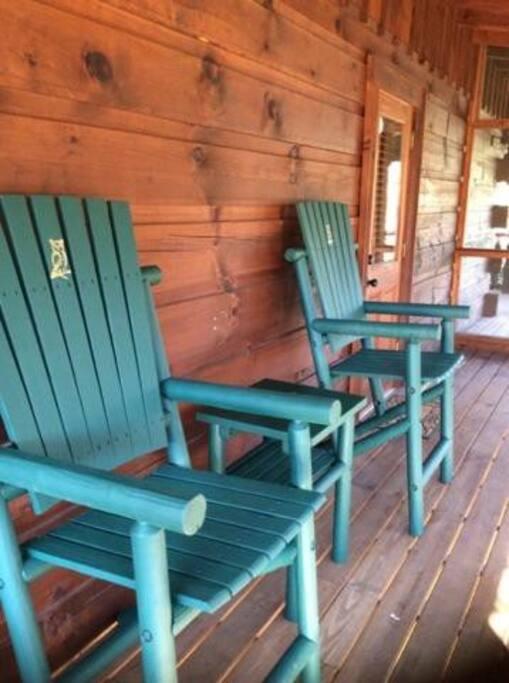 Bench,Chair,Furniture,Banister,Handrail