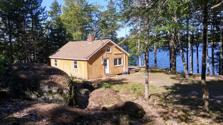 A Cottage in the Woods: Near Annapolis and Keji