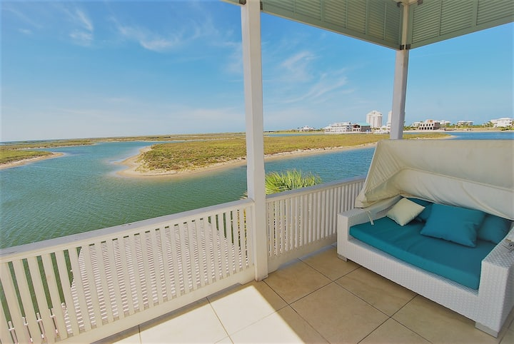 Private 3 bedroom 4 bath Bayfront home with swimming pool, and boat dock~Luxury~