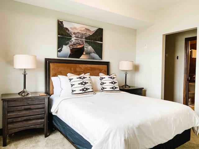 Second Bedroom (Queensize)