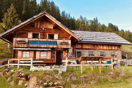 Griebitsch Alm, Doppelzimmer mit Bergblick