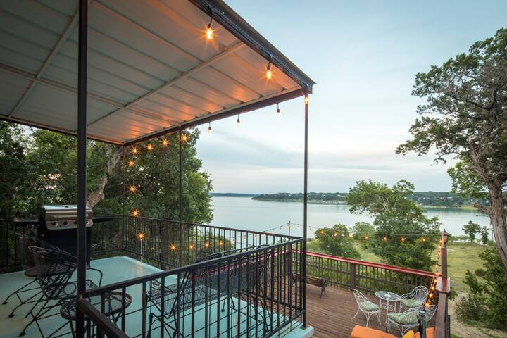 Waterfront Grace- relax and experience the lake!