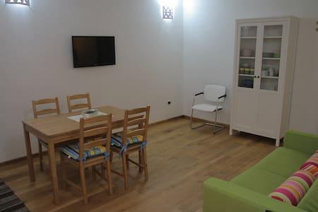 Duplex ristrutturato in antico Borgo - Castrignano del Capo