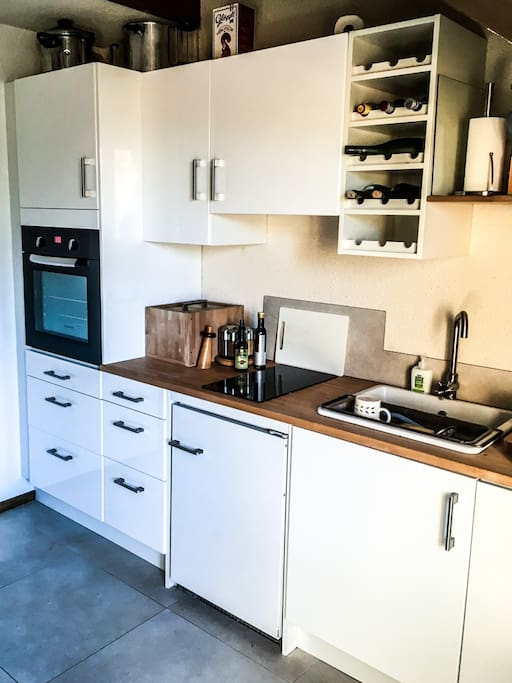 Fully furnished and equipped IKEA kitchen