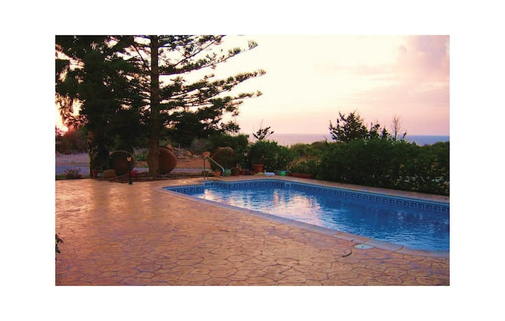 Beautiful home in Pegia Paphos with WiFi and 3 Bedrooms