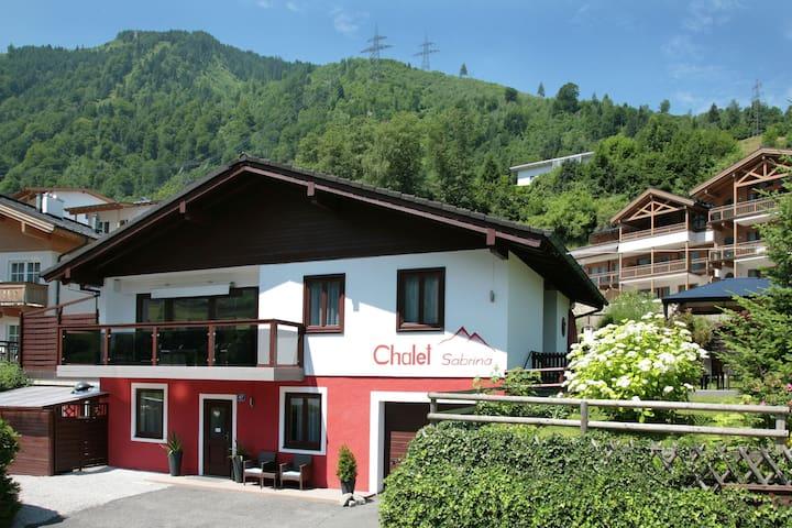 Lovely Chalet with Swimming Pool in Kaprun Salzburg