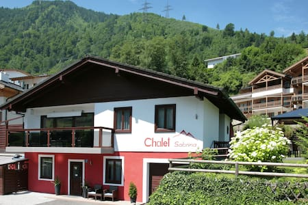 Lovely Chalet with Swimming Pool in Kaprun Salzburg
