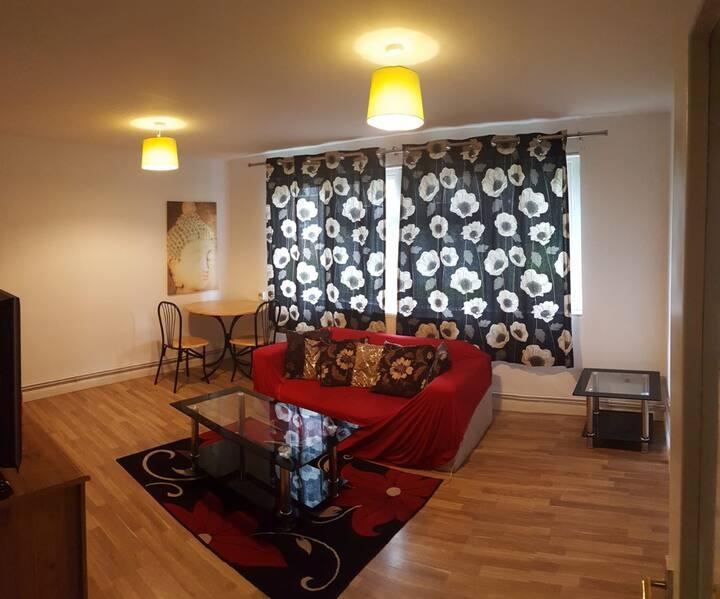 Citybreak Two Bedroom Flat Central Milton Keynes
