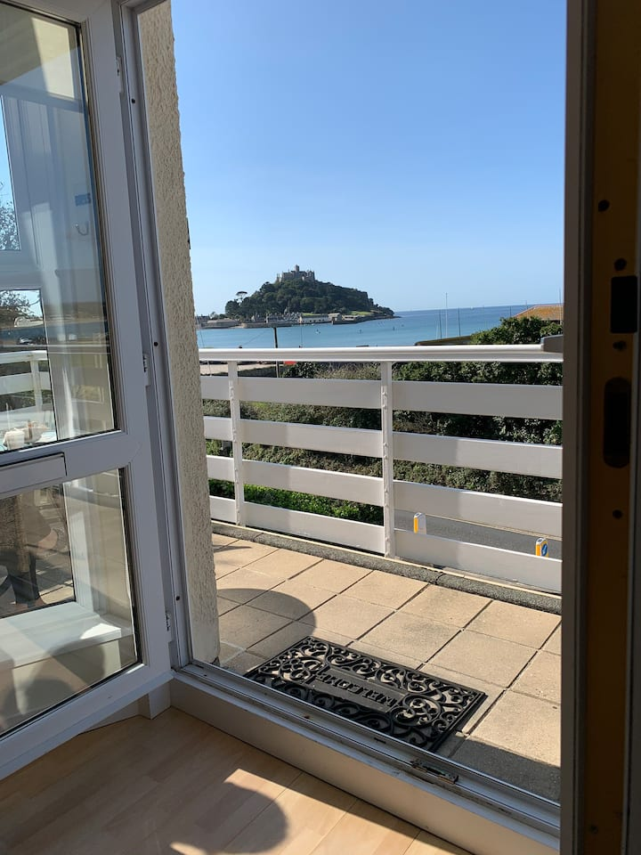 Seaside Apartment overlooking St Michaels Mount