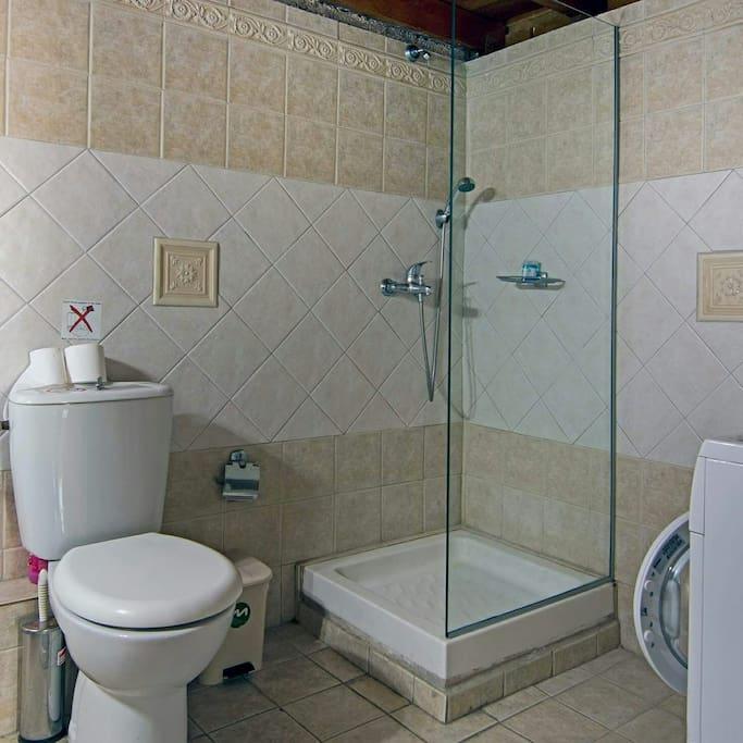 Bathroom in No2 bedroom with 3 normal beds!
