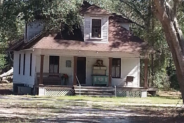 """The Old Parrott Place """"Story House"""""""