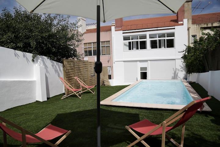 Swimming Pool II / água e sol