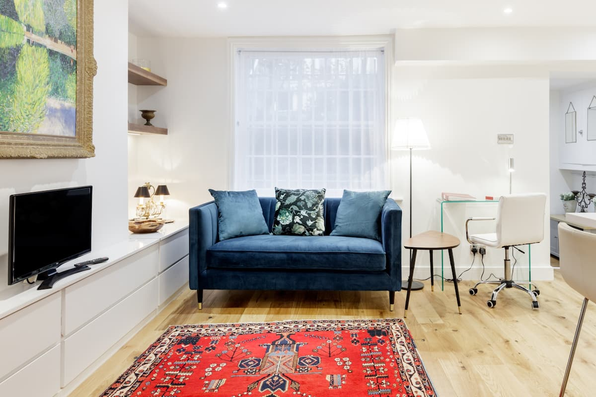 Opulence and Luxury in Bijou Notting Hill Apartment