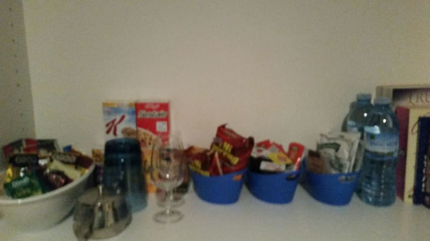 Complimentary tea,coffee,noodles snacks & water