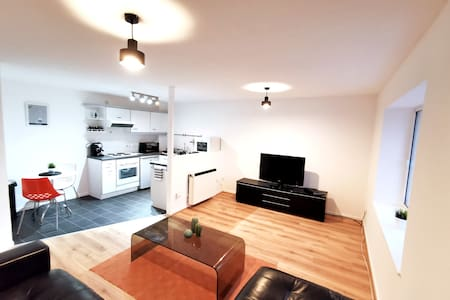 ⭐️ Cardiff Bay Apartment by Switchback Stays