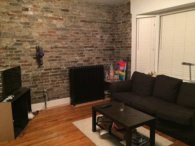 HOMEY apartment in downtown Kitchener - Kitchener - Flat