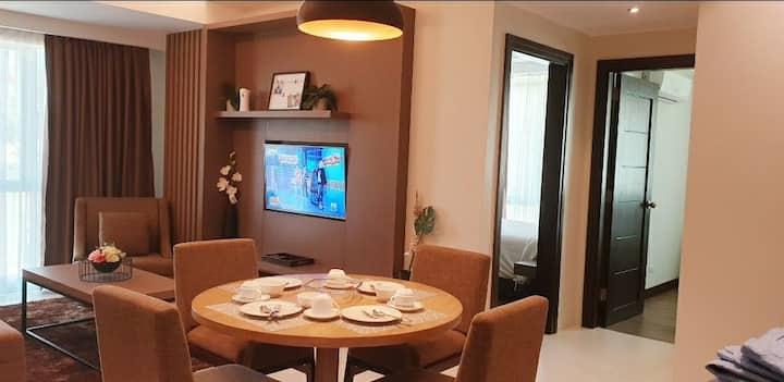 2 Bedroom Comfy Suites near Ayala Mall