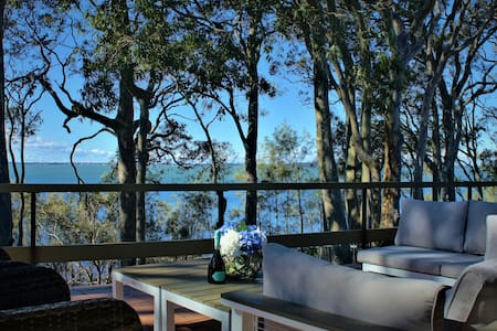 Tuggerah Lake House - Waterfront