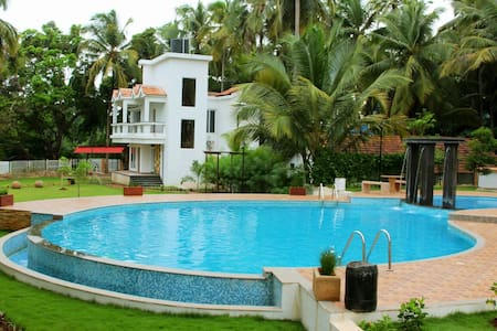 Johnnie Holiday Homes - Arpora - Serviced apartment