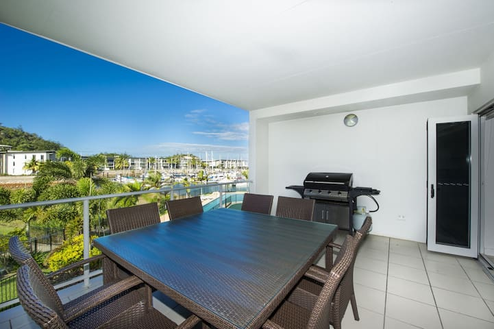 Beachside Apartment 14