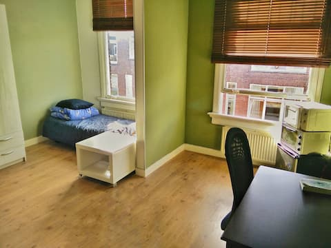 Cheap double room, fully equipped!!